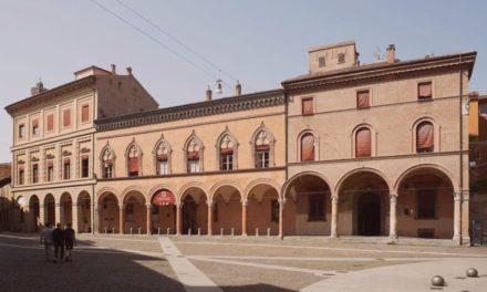 """Grande successo per Marina Di Guardo ed il suo libro """"La memoria dei corpi"""" all'Hotel Villa Cipressi di Varenna"""