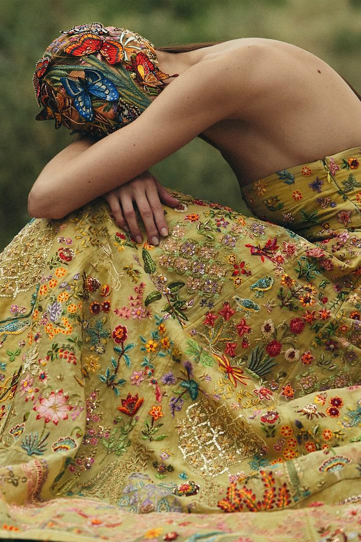 Rahul - Mishra - Haute Couture - FW20 - Vogue