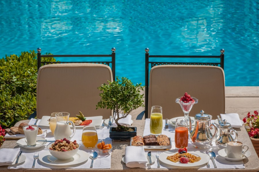 Rome Cavalieri a Waldorf Astoria - Sunday Brunch with Pool View